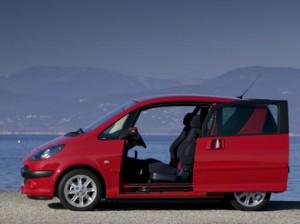 Peugeot 1007 porte ouverte